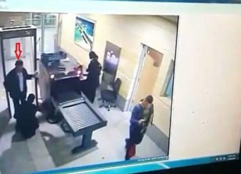 عاجل| جيران مختطف الطائرة: المتهم كان يريد رؤية بناته في قبرص