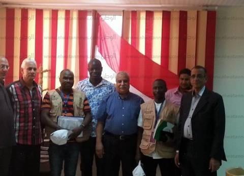 وفد الاتحاد الإفريقي يتفقد سير العملية الانتخابية في لجان سمالوط بالمنيا