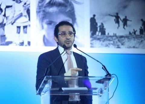 """من إعلان إلى مؤتمر رئاسي.. أحمد حلمي يتألق في """"الأداء الصوتي"""""""
