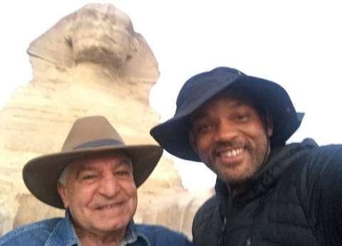 ويل سميث يغادر القاهرة عائدا للولايات المتحدة