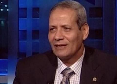 """السناوي عن وزير التعليم الجديد: """"خايب في الإملاء"""".. واستمراره """"مسخرة"""""""