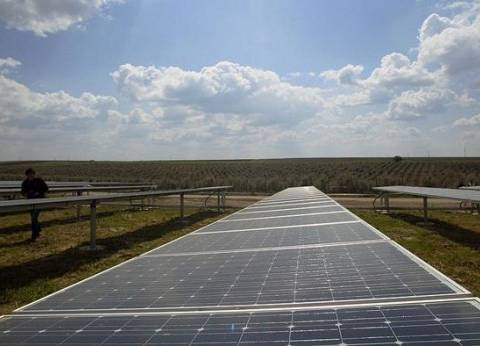 """""""الإقليمي للمتجددة"""" يتبادل الخبرات لدعم طاقة الرياح مع المركز اللبناني"""
