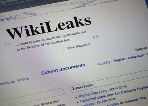 أسانج يفند ادعاءات كلينتون حول وقوف روسيا وراء تسريب مراسلاتها السرية