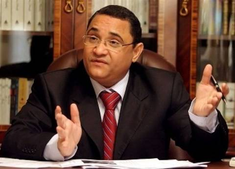 عبدالرحيم على يدين جريمة الهجوم على أتوبيس الأقباط بالمنيا
