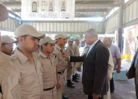 """مدير أمن الغربية يتفقد """"المجندين"""" ويشدد على أهمية احترام حقوق الإنسان"""