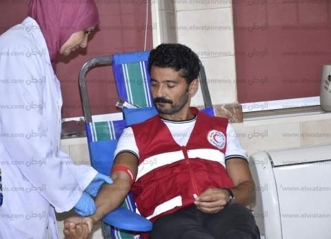 """""""الناس لبعضيها"""".. حملة للهلال الأحمر للتبرع بالدم بقيادة خالد النبوي"""