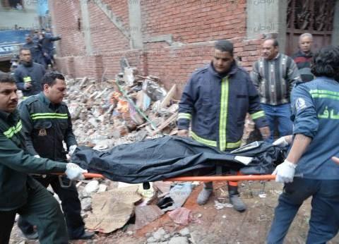 بالصور| ارتفاع عدد ضحايا المنزل المنهار بالمنصورة لـ7 أشخاص