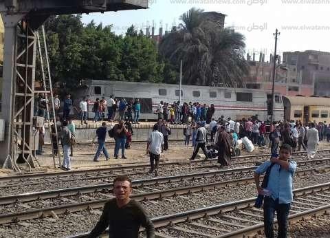 """""""السكك الحديدية"""": إخماد """"أدخنة"""" بتوربينة قطار """"القاهرة- المناشي"""""""
