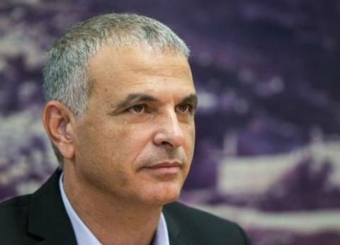 إسرائيل تهدد بتحجيم النشاط الاقتصادي لأسرة الفلسطيني منفذ عملية الطعن
