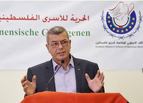 قراقع: 100 أسير يشرعون بإضراب مفتوح تضامنا مع الأسرى المضربين