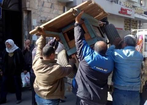 حي شرق بالإسكندرية يرفع إشغالات الباعة الجائلين والكافيهات