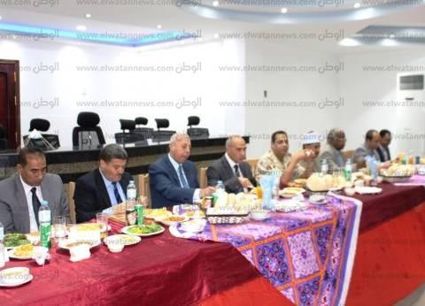 أمن أسوان ينظم مأدبة إفطار احتفالا بالعاشر من رمضان