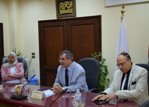 تكليف الدكتورة إيمان عبد الحق قائما بعمل عميد تربية بنها