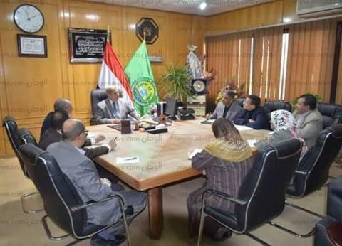 محافظ الإسماعيلية يعقد اجتماعا لتحديد آلية التواصل مع نواب البرلمان
