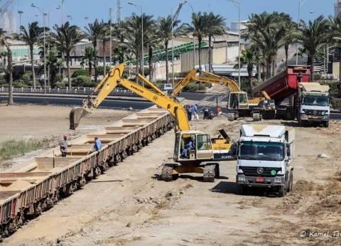 مغادرة 69 سيارة بحمولة 3175 طن قمح من ميناء دمياط