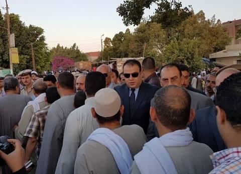 بالصور| الآلاف يشيعون جثمان الرائد محمود عبدالحميد شهيد الإرهاب بالفيوم