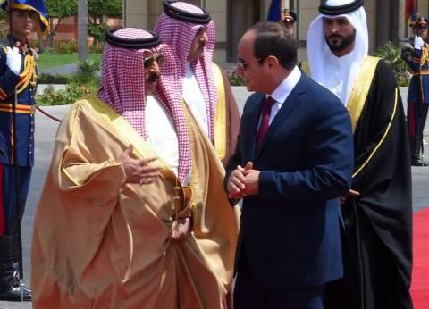 """عاهل البحرين يعزي السيسي في ضحايا """"تفجير سيناء"""""""
