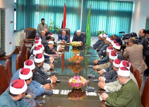 وزير الأوقاف يجتمع بمديري المديريات لبحث التوسع في القوافل الدعوية