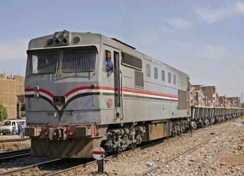 توقف حركة القطارات بقليوب بسبب خروج عربة عن القضبان