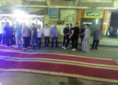 وفد من نادي سموحة في عزاء شقيق التوأم حسام وإبراهيم حسن