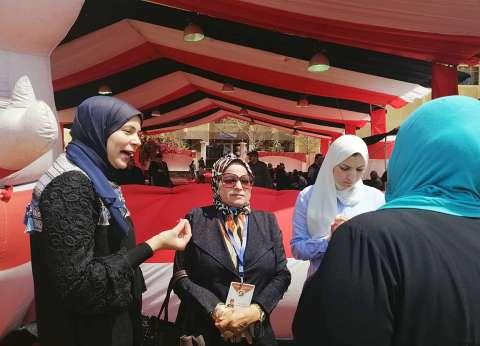 """""""القومي للمرأة"""" تتابع مشاركة السيدات في لجان الاستفتاء بالشروق"""