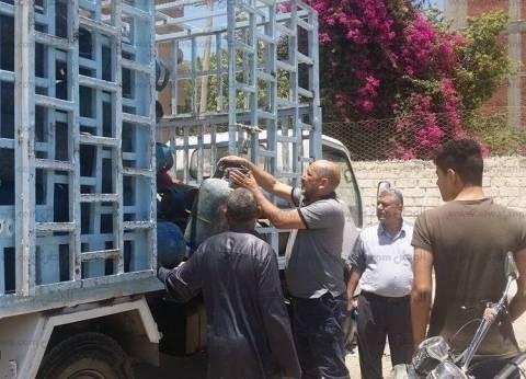 انقلاب سيارة نقل محملة باسطوانات البوتاجاز فى بني سويف