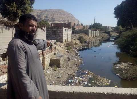"""""""الأموال العامة"""" تكشف مخالفة أثرت على سير المياه في الترع بسوهاج"""