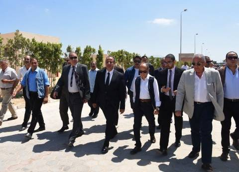 وزير الصناعة يزور مجمع الصناعات البلاستيكية في الإسكندرية