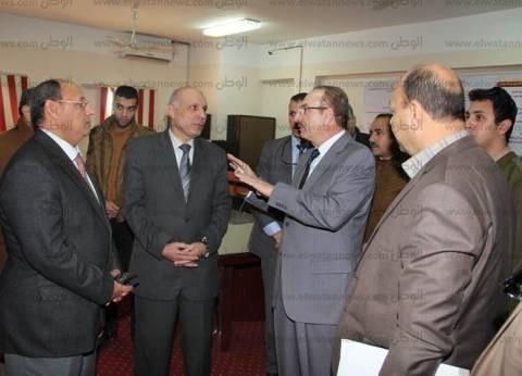 بالصور| محافظ بني سويف يهنئ الأهالي في ذكرى ثورة 25 يناير وعيد الشرطة