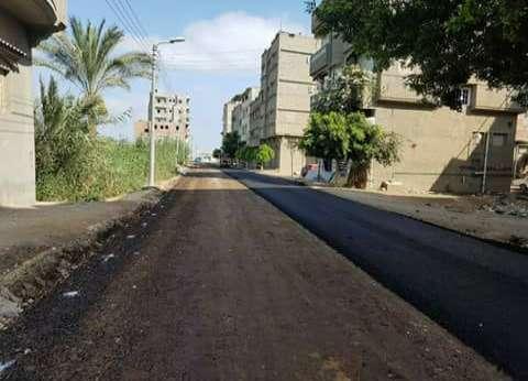 محافظ دمياط يتفقد أعمال رصف طريق المعدية بتكلفة 970 ألف جنيه