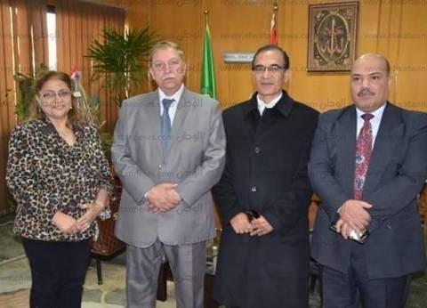 """محافظ الإسماعيلية يناقش نقل محكمة الأسرة إلى مقر """"الشرعية القديمة"""""""