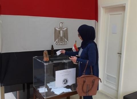 سفير مصر بالجزائر: توافد المواطنين للتصويت في الاستفتاء الدستوري