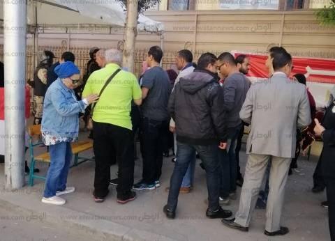 """بعد ساعة الاستراحة.. """"الخلفاء"""" بمصر الجديدة تستقبل المواطنين للاستفتاء"""