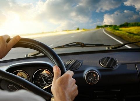 """""""بلاش وجبات سريعة"""".. 5 نصائح للحفاظ على صحة قائدي السيارات"""