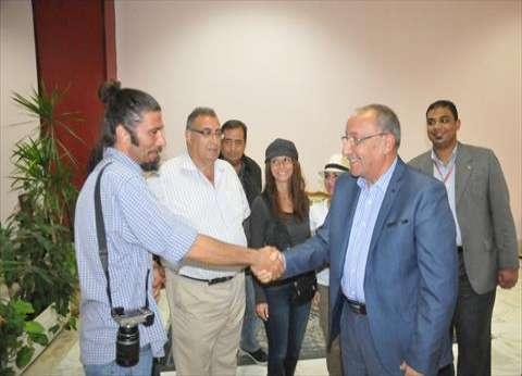 محافظ أسوان يلتقي وفد رابطة الإعلاميين السياحيين الأسبان