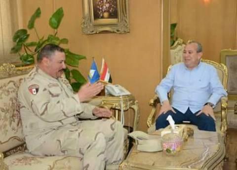 محافظ دمياط وقائد الفرقة 18 مشاة يبحثان استعدادات الانتخابات الرئاسية