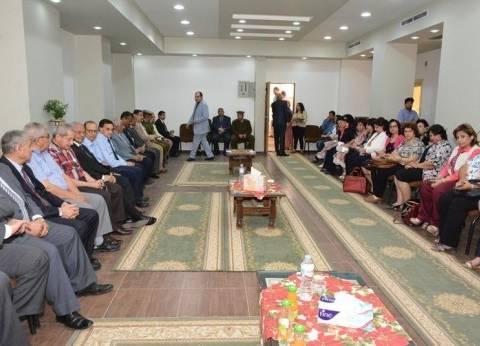 محافظ سوهاج ومدير الأمن والقيادات يقدمون التهنئة للأقباط بعيد القيامة