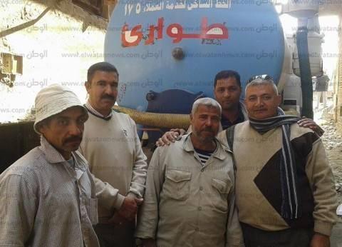 الدفع بـ7 سيارات كسح لشفط مياه الصرف الصحي من قرية في القليوبية