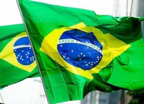 الدولار يغلق دون مستوى 3.70 ريال برازيلي عقب تدخل المركزي