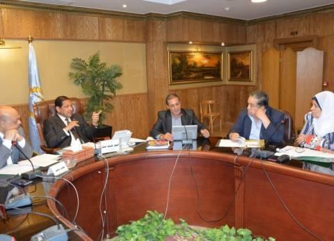 محافظ الغربية يعقد اجتماعا مع لجنة حماية الطفل من الانتهاكات