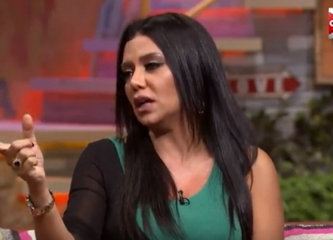 """رانيا يوسف: """"الستات بتبوظ بعض.. وبيحكوا لبعض كل التفاصيل"""""""