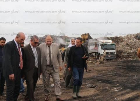 بالصور  محافظ كفر الشيخ: 15 معدة ثقيلة لنقل مخلفات مقلب القمامة
