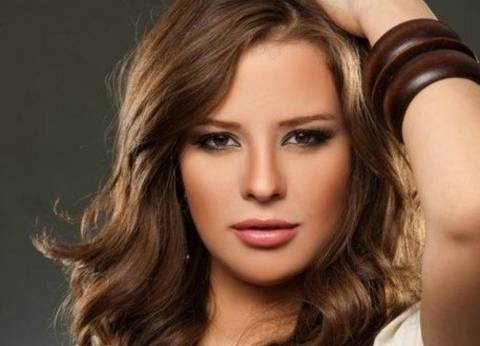 بالصور  إيمان العاصي تعلن عن حساباتها الشخصية بمواقع التواصل الاجتماعي