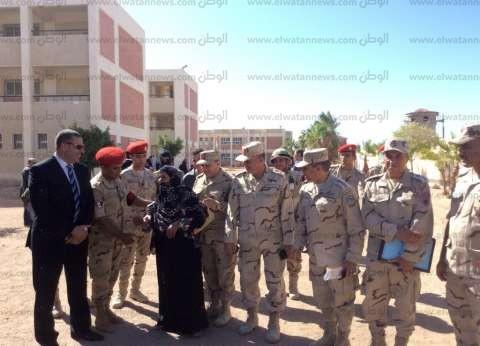 بالصور| السيدات يتصدرن المشهد الانتخابي بجنوب سيناء