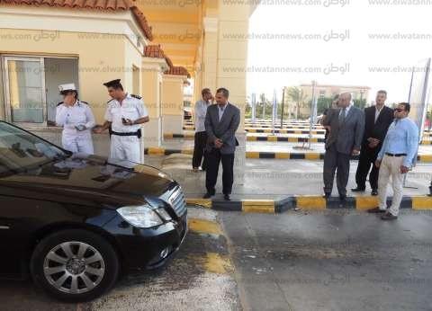 مدير أمن مطروح يتفقد الحالة الأمنية والحركة المرورية رابع أيام العيد