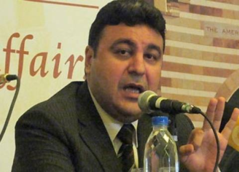 """ياسر عبدالعزيز: """"أيوة الصحفيين على رأسهم ريشة"""""""