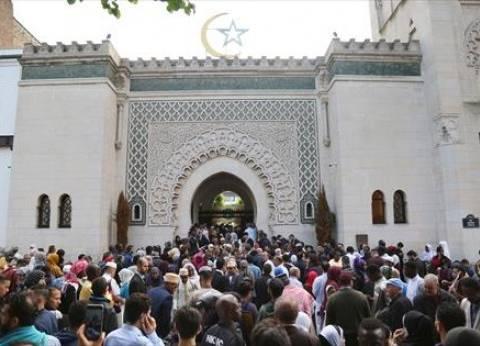 بالصور  ملايين المسلمين يؤدون صلاة العيد