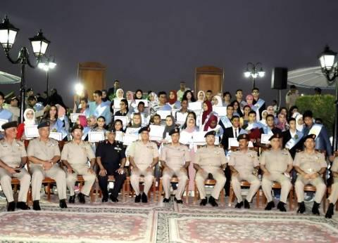 وزير الدفاع يكرم القادة المحالين للتقاعد في يوليو الماضي