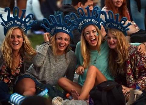 بالصور| مليون أسترالي يحتفلون بالعام الجديد بساحة الميناء في سيدني