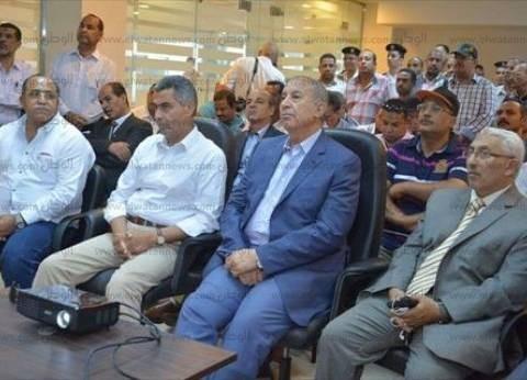 وزير النقل يتفقد أعمال التطوير بميناء سفاجا البحري